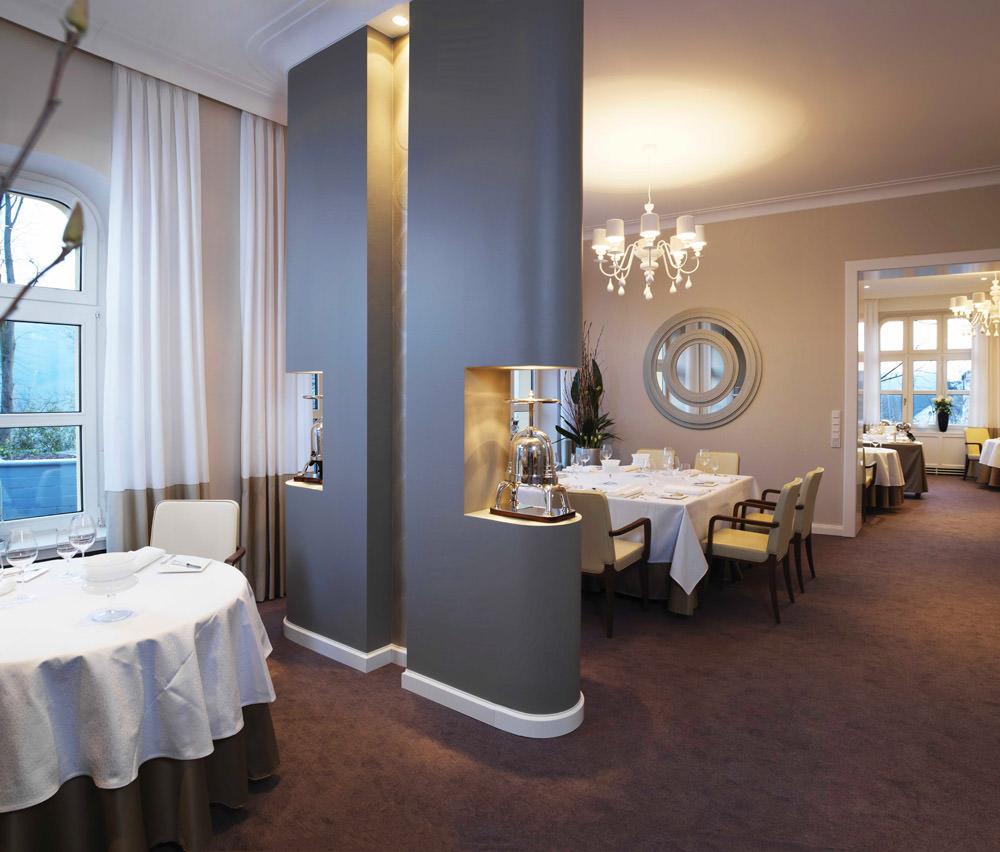 hochwertige gastronomie m bel f r wohnliches ambiente. Black Bedroom Furniture Sets. Home Design Ideas